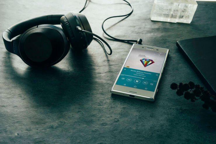 Pasirodysiantis Xperia gali turėti galingus parametrus, tačiau prarasti ausinių lizdą