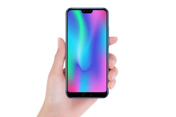 """""""Huawei"""" teigia, kad jie svarstė naudoti priekinę išpjovą prieš """"iPhone X"""""""